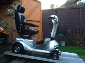 £5000 WORTH QUINGO PLUS 8 MPH ALL TERRAIN HEAVY DUTY MOBILITY SCOOTER