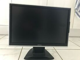 19 inch LCD computer screen (with cables) in excellent condition