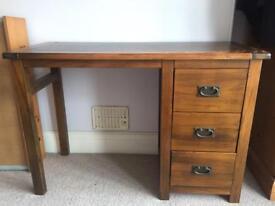 Desk pine