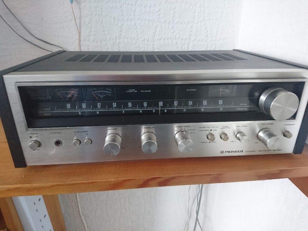 Pioneer SX 590 AM FM Stereo Receiver AR Loudspeakers X 4