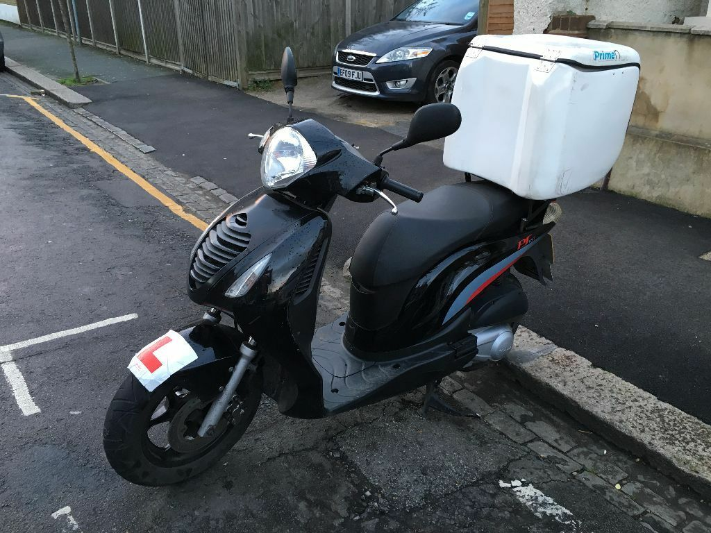 Honda Ps 125, 2011 Year BIKE WITH ONLY 14100 MILES
