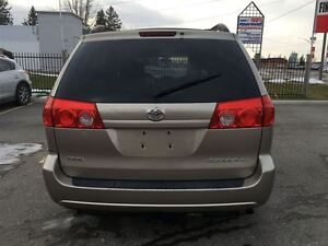 2008 Toyota Sienna XLE, Loaded; Leather, Alloys and More !!!! London Ontario image 7