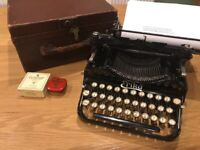Seidel and Naumann Erika typewriter - vintage with box - 1920's / 30's?