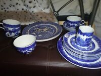 "J. Kent Fenton ""Ye Olde Willow"" Dinner set, not complete - see description £30"