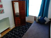 SINGLE ROOM AVAILABLE IN FAMILY HOUSE