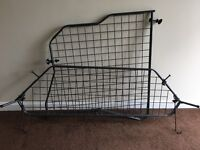 Travall Dog Guard plus luggage Divider fits Ford Focus Estate 2004-2010