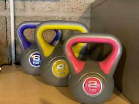 Three Kettlebells 2, 4 and 6kg. Never used.