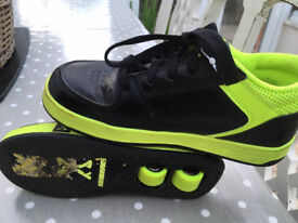 Skate shoes size 3