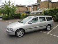 2002 VOLVO V70 DIESEL AUTOMATIC ESTATE WITH BLACK LEATHER INTERIOR AND FULL SERVICE HISTORY
