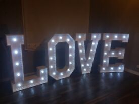 *** 4ft Hollywood style light up LOVE letters ***