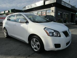 2009 Pontiac Vibe FWD Automatic, Cruise control, Garage opener