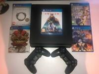 Sony Playstation 4, 2 controllers 5 games
