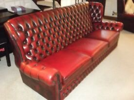 LEATHER OXBLOOD CHESTERFIELD