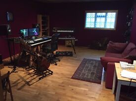 Studio share in spacious writing room / mixing suite NW2