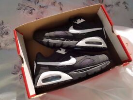 Brand New Black Nike Air Trainers size 9