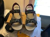 Dunlop sandals brand new boxed size 11