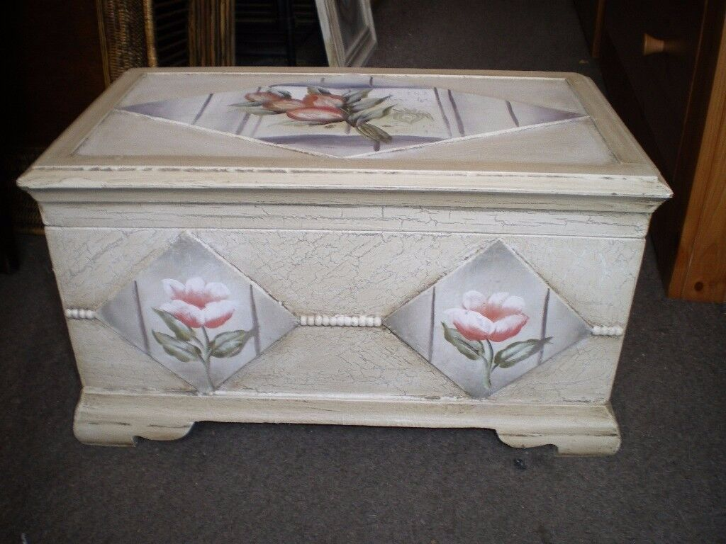 HAND PAINTED BOX/SMALL TRUNK