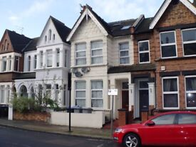 Crownhill Road, Large bedsit with shared kitchen