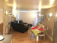 Luxury 2 bed 2 bath Appartment in ilford IG1 1YS Rent £1400 inclusive water rates & Free Gym.