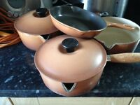 Le creuset saucepans x 4 and one small omelette pan