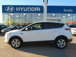 2015 Ford Escape SE 4x4 LOW KM!