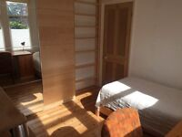 Divinity Rd Oxford. Single room shared kitchen & bathroom.