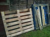 2 pallets free to collect