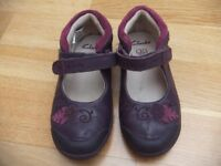 Clarks girl purple leather shoe 8F