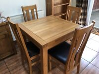 Oak dining set - Table and 4 chairs