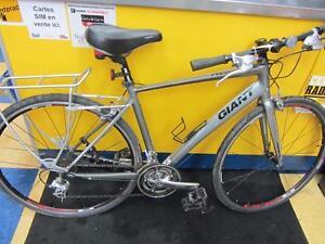 Vélo Hybride de marque GIANT