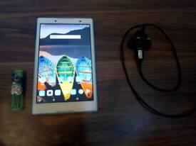Tablet Lenovo 2gb/16 gb