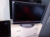 SONY 26 inch free view hdmi tvon swivel stand with remote nice Sound & Picture