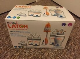 Munchkin Latch bottle starter set. Brand new