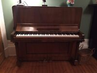 Lovely upright Winbourne (London) piano. Sold originally by Peter Smith & Sons of Paisley