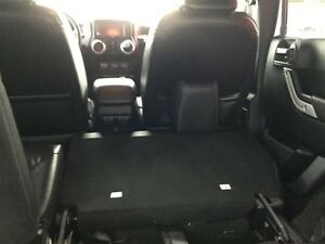 2014 Jeep Wrangler Unlimited Sahara 4X4, Leather, Local, NEW Tir Comox / Courtenay / Cumberland Comox Valley Area image 5