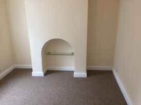 Sevenoaks, 1 bed basement flat to let, close to bat & ball station