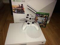 Xbox One S 500gb Battledfield One downloaded & hard copy GTA V