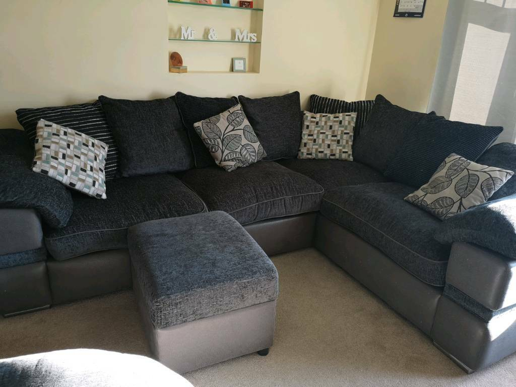 Like New Corner Sofa And Footstool In Dunstable