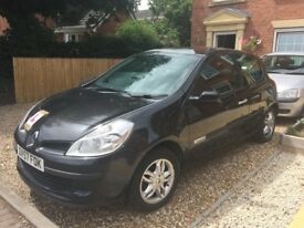 Renault Clio Ripcurl limited edition 1.1 cc excellent first car 11 months MOT