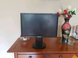 """Samsung SyncMaster SM943BW 19"""" Wide Screen LCD Monitor"""