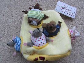 CHEESE HOUSE WITH 5 MOUSE FINGER PUPPETS BY THE PUPPET COMPANY 'BRAND NEW'