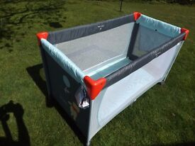 Hauck Winnie The Pooh Travel Cot Good condition £12