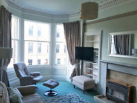 Flat - Central Edinburgh - sunny & spacious - ideal for professional person or couple.