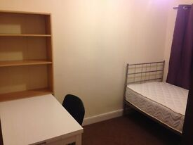 one single bedroom fully furnished to rent out on donegall ave/university area