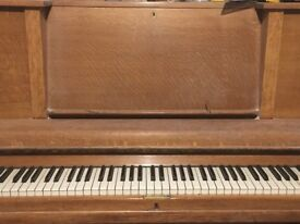 Upright Piano Monington & Weston FREE!