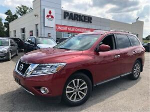 2015 Nissan Pathfinder SV, 7-PASS, 4x4, REAR CAM | HTD SEATS!
