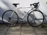 Mens Road/ Racer Bike by Genesis, White, Top Spec, JUST SERVICED/ CHEAP PRICE!!!