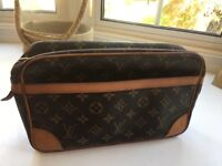 Louis Vuitton GENUINE WITH CODE clutch bag