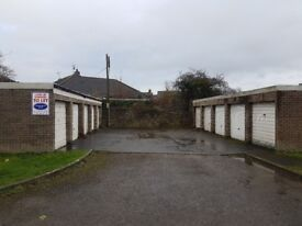 Garages to rent: Bremilham Rise Malmesbury Wiltshire SN16 - ideal for storage