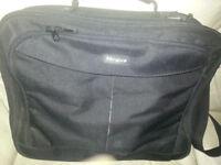 Tragus laptop bag